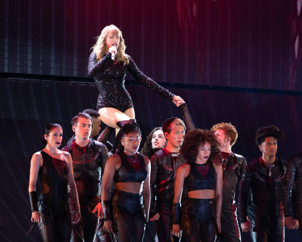 Taylor Swift's Reputation Stadium Tour Lands On Netflix   SPIN1038