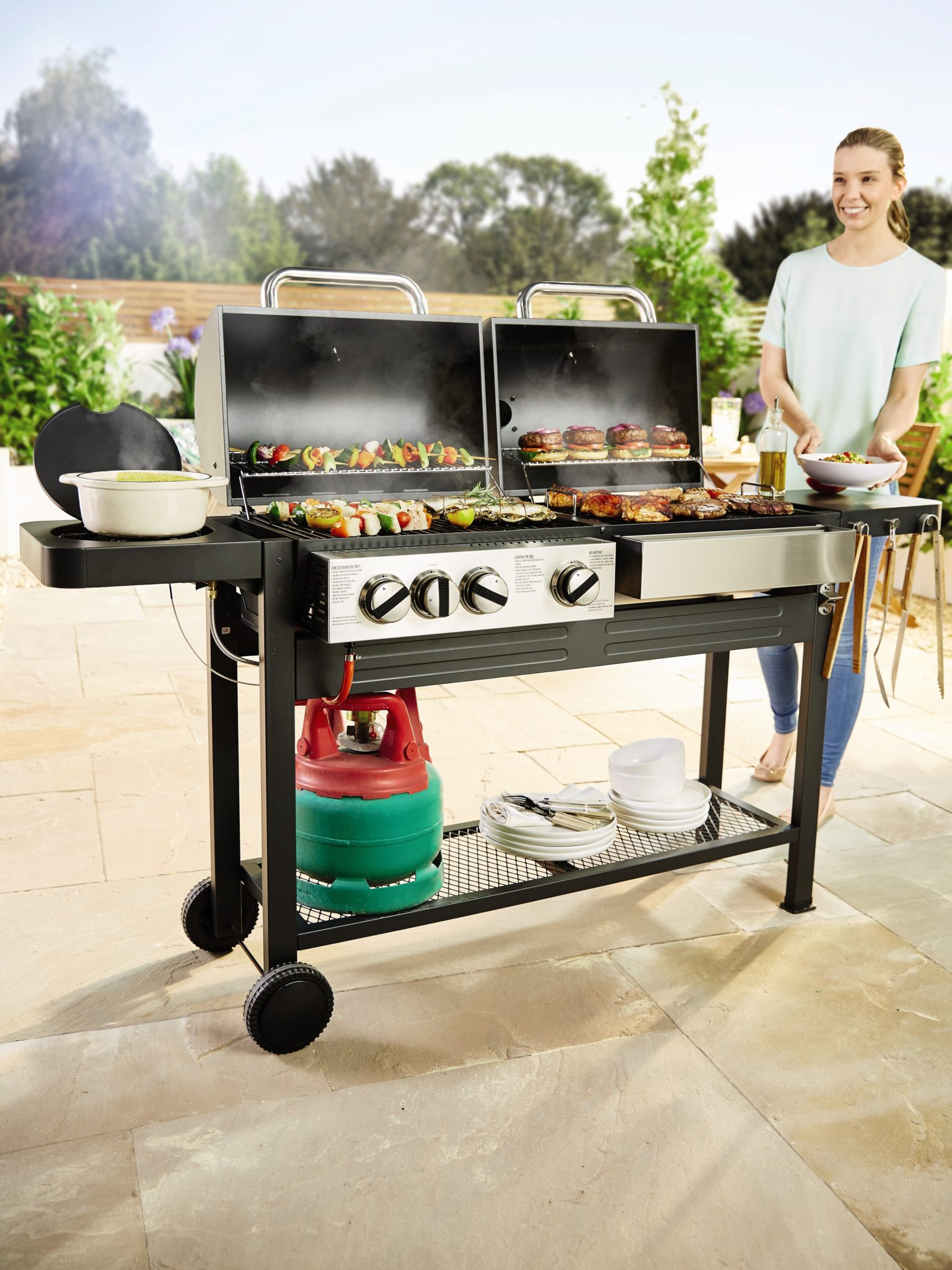 Aldi S New Garden Collection Features Bbq Pizza Oven Www