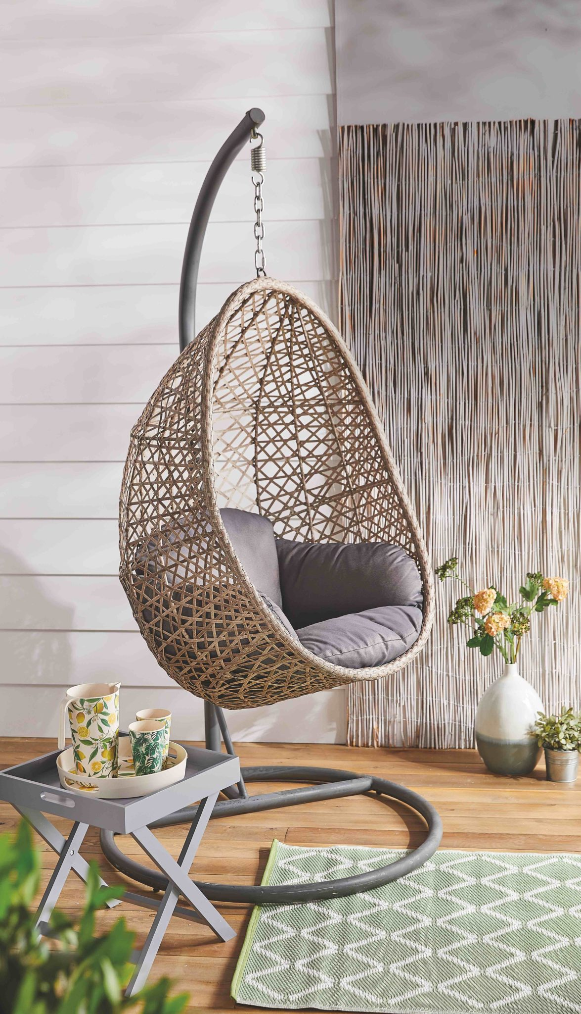Stunning Hanging Egg Chair Coming To Aldi Www 98fm Com