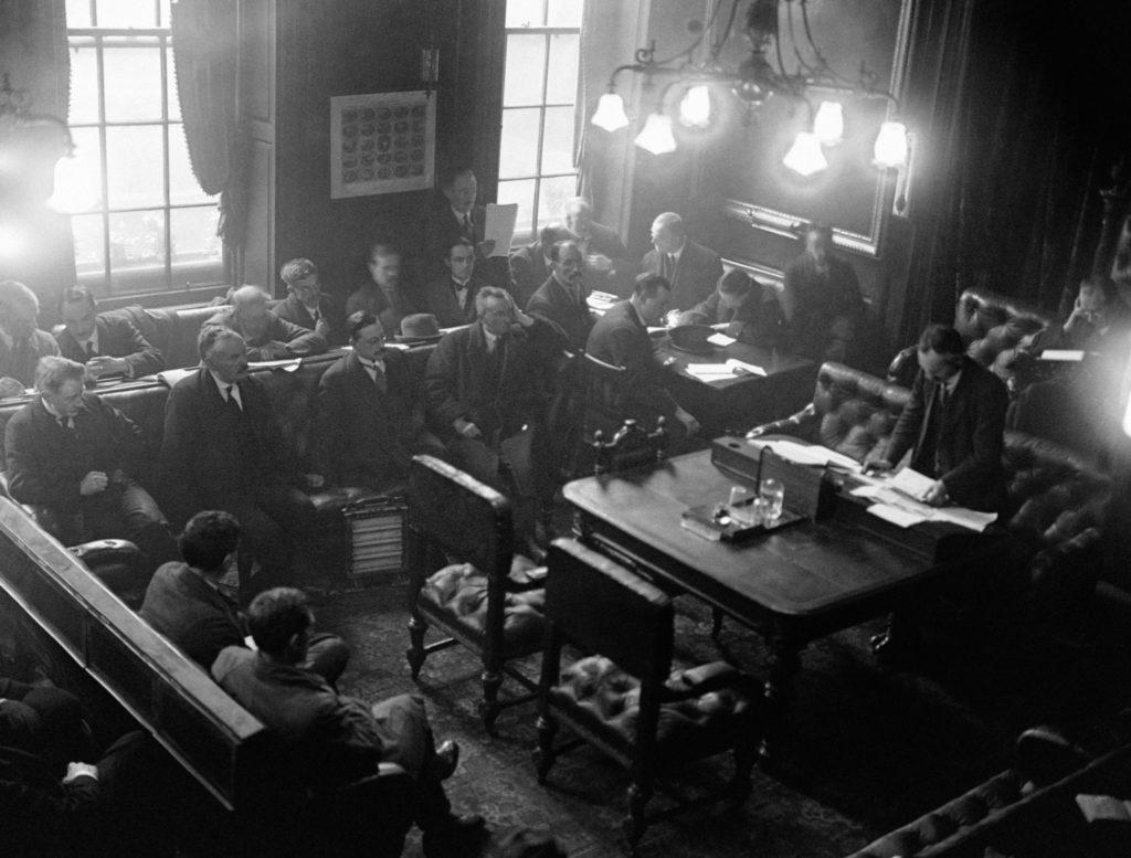 1922, Ireland, Michael Collins, Arthur Griffiths,
