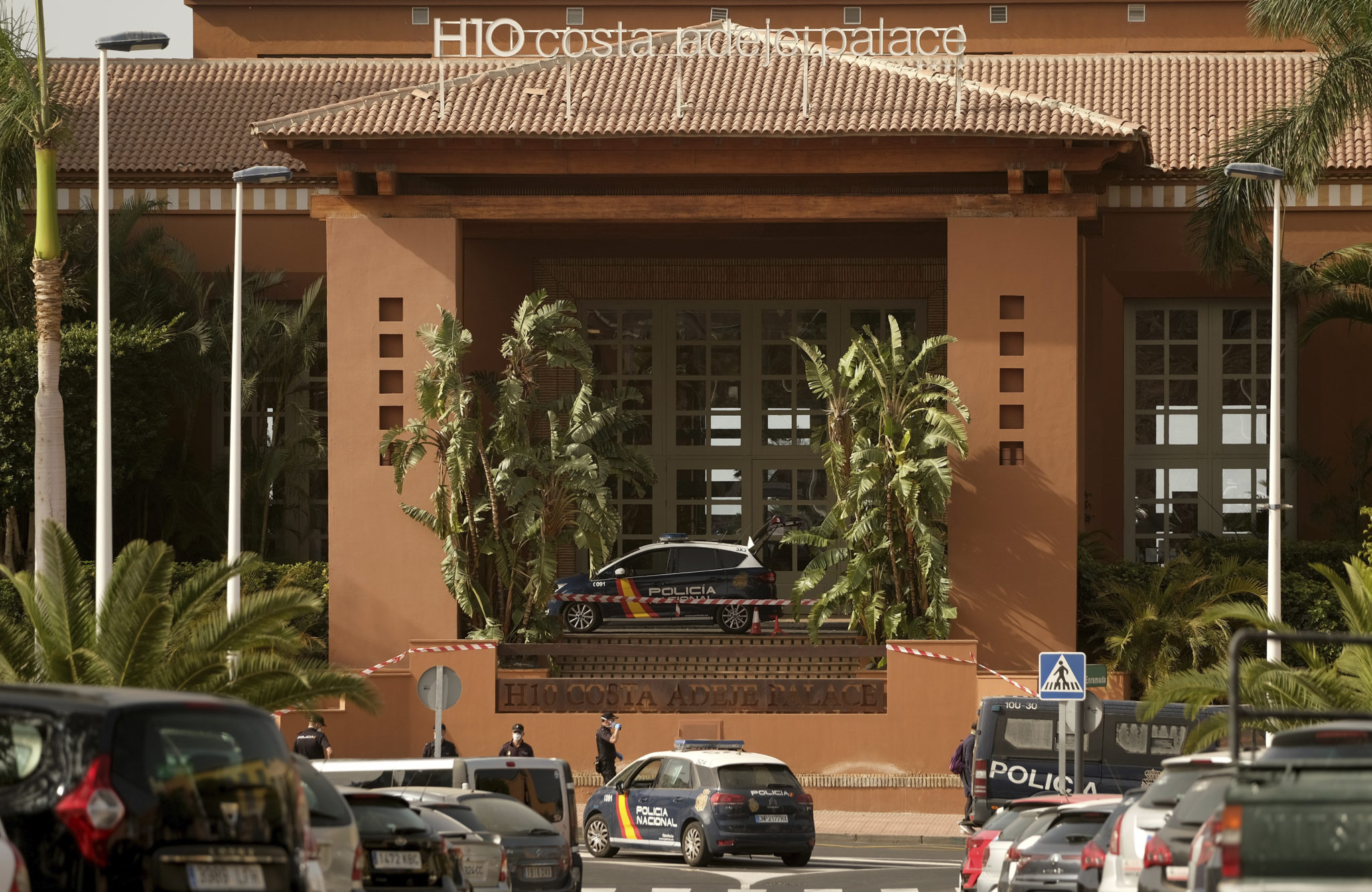 Canary Islands hotel on lockdown after coronavirus case
