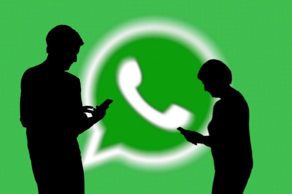 WhatsApp limits message forwards to one chat at a time