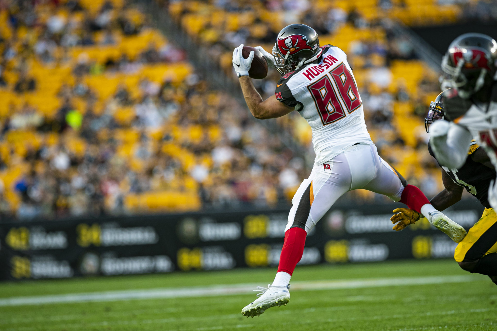 Tampa Bay Buccaneers tight end Tanner Hudson (88) catches a pass during the NFL football game between the Tampa Bay Bucaneers and the Pittsburgh Steelers