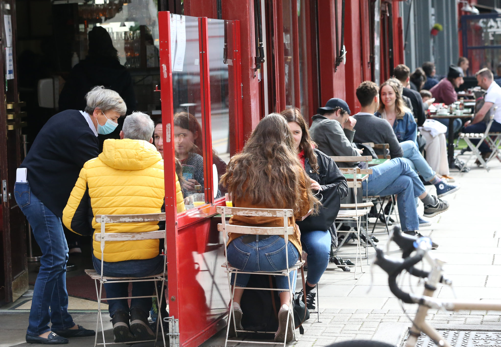 People enjoying food and drink on South William Street in Dublin cities