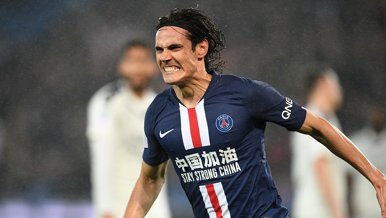 Edinson Cavani of Paris Saint-Germain celebrates during the Ligue 1 football match between Paris Saint-Germain (PSG) and Bordeaux in Paris
