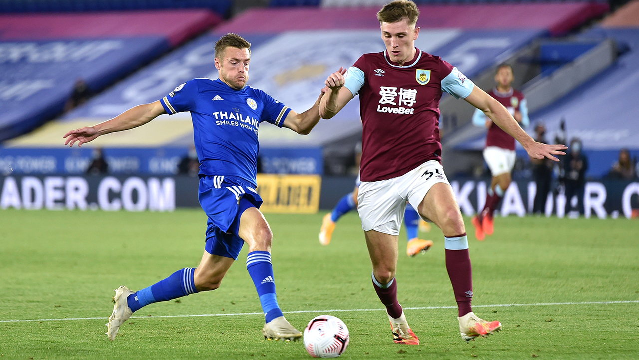 Leicester City's Jamie Vardy (left) and Burnley's Jimmy Dunne battle for the ball during the Premier League match at the King Power Stadium