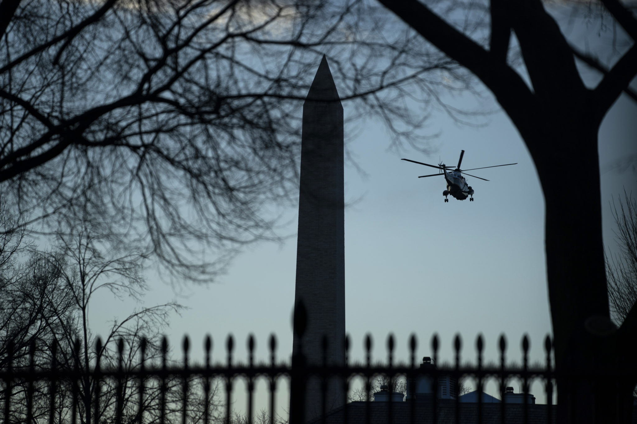 Donald Trump leaves the White House in a helicopter