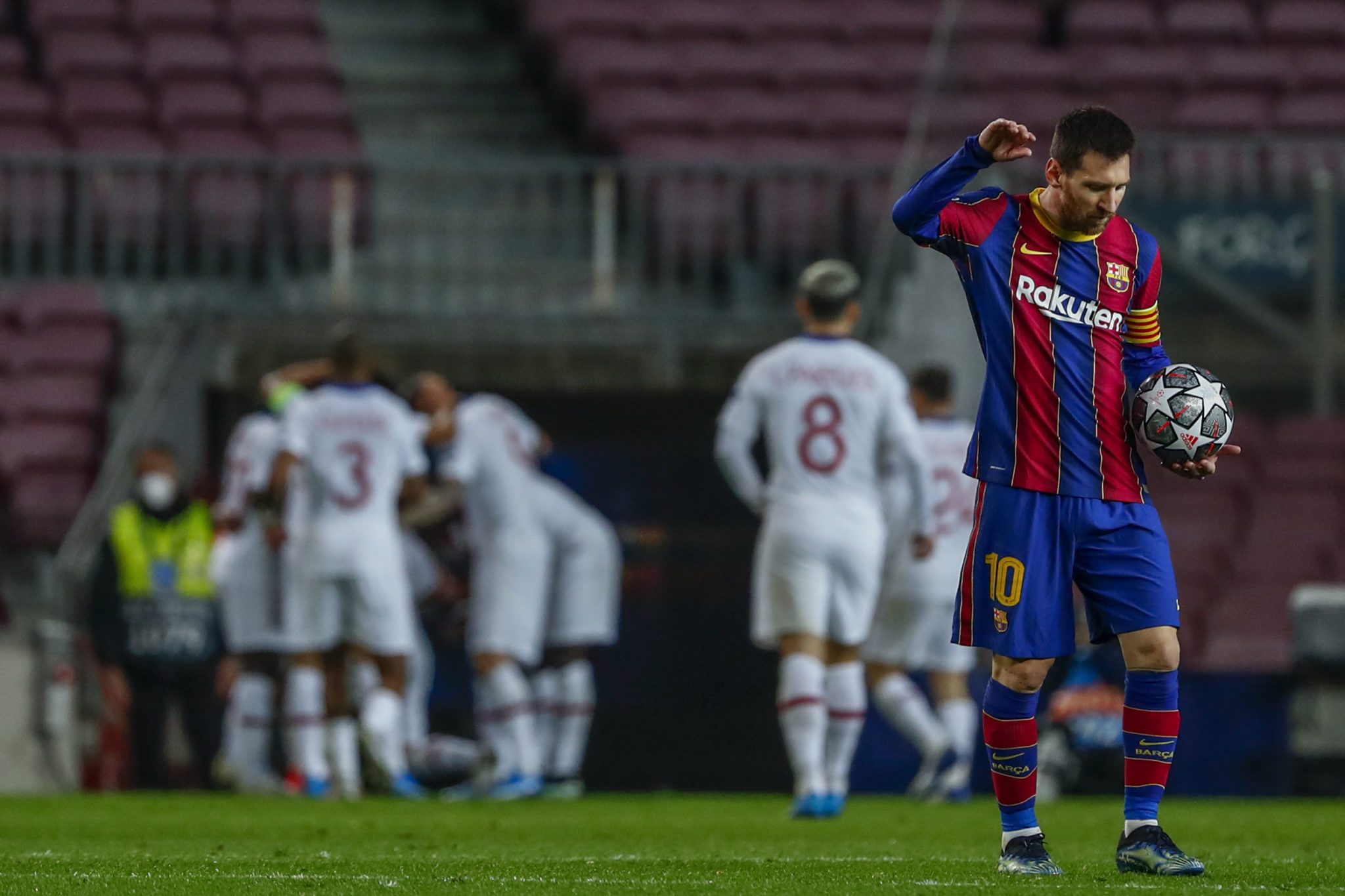 Messi reacts in digust after a PSG goal at Camp Nou.