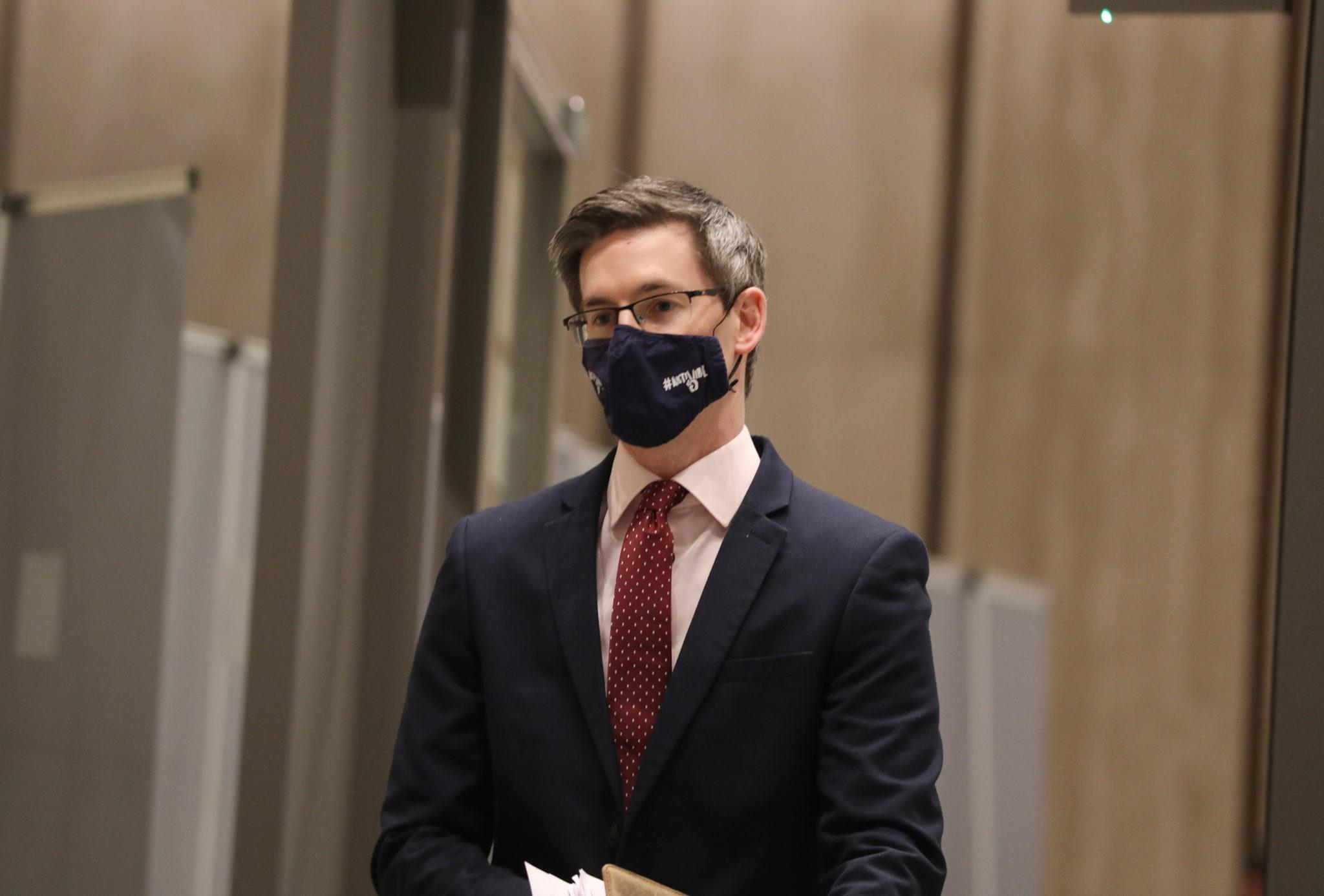 Dr Ronan Glynn