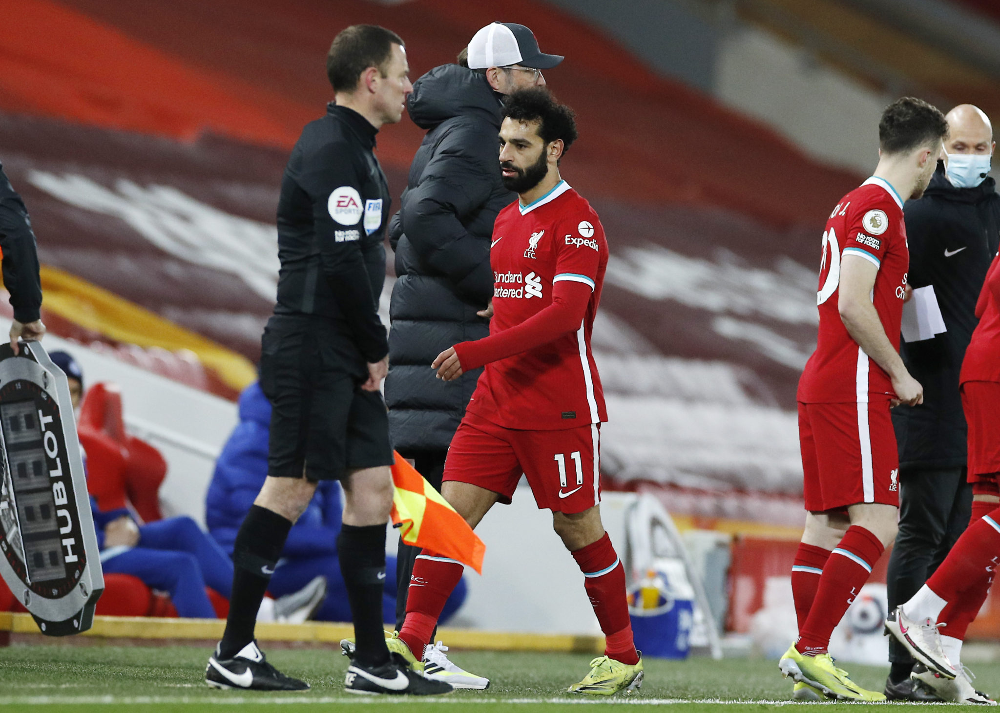 Mo Salah is substituted during Liverpool's loss to Chelsea