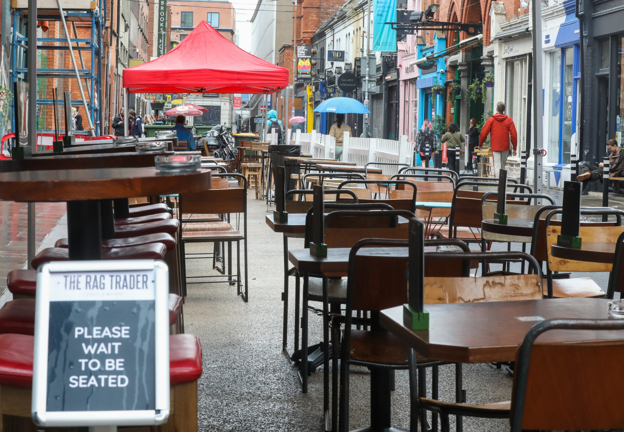 The empty outdoor dining area at The Rag Trader on Drury Street in Dublin